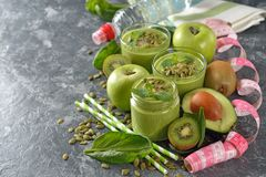 Frullati verdi dietetici Fotografia Stock