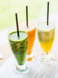 frullato da spinaci, dalle carote e dalle pere Fotografia Stock Libera da Diritti