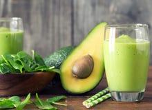 Frullato degli spinaci e dell'avocado Fotografia Stock Libera da Diritti