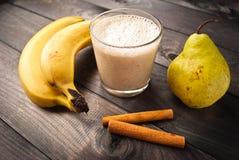 Frullato della pera e della banana Fotografia Stock Libera da Diritti