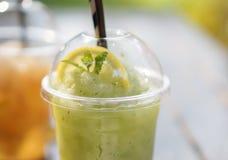 Frullato della soda della menta di limone fotografia stock