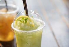 Frullato della soda della menta di limone fotografie stock