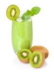 Frullato verde con il kiwi immagini stock