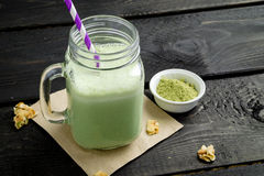 Frullato verde del tè di matcha fotografia stock