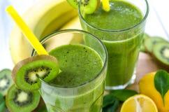 Frullato verde fresco e sano Immagine Stock Libera da Diritti