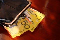 Frunza con las notas australianas Imagen de archivo libre de regalías