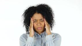Frustratation, schwarze Frau mit Kopfschmerzen stock video