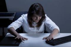 Frustrato e gridando donna di affari Fotografia Stock Libera da Diritti