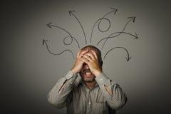 Frustrato. Uomo nei pensieri. immagine stock