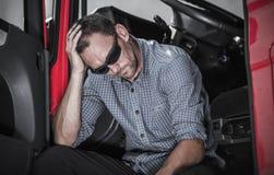 Frustrerad lastbilsförare royaltyfri foto