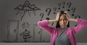 frustrierte Frau mit Fragezeichen lizenzfreie stockfotografie