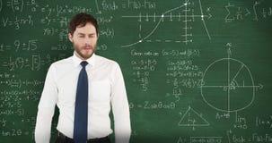 Frustrierter Mann vor beweglichem Mathe auf Tafel 4k stock video footage