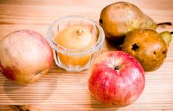 Fruta, aún vida. Fotos de archivo