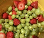 Fruta alegre, frutas mezcladas imágenes de archivo libres de regalías
