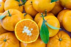Fruta anaranjada. imagenes de archivo