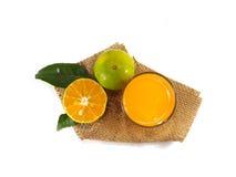 Fruta anaranjada en el fondo blanco Foto de archivo libre de regalías