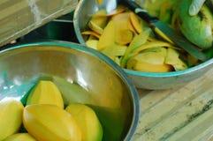 Fruta, bebidas y vitaminas Imagen de archivo libre de regalías