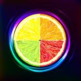 Fruta cítrica que brilla intensamente en el fondo oscuro libre illustration