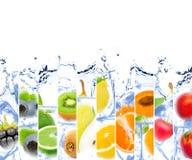 Fruta cubicada hielo foto de archivo