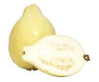 Fruta de guayaba y una mitad Fotos de archivo libres de regalías