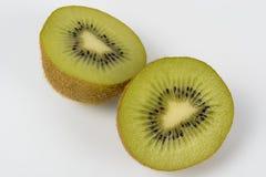 Fruta de kiwi en el fondo blanco Foto de archivo