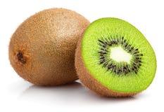 Fruta de kiwi entera y media fruta de kiwi en blanco Fotografía de archivo libre de regalías