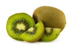 Fruta de kiwi jugosa aislada en el fondo blanco imagen de archivo libre de regalías