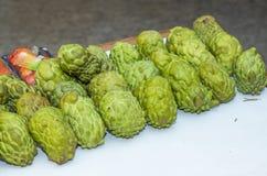 Fruta de la cuenta Apetitoso verde hermoso de la anona fotografía de archivo