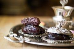 Fruta de la fecha secada con té/la comida de Medjool/del Ramadán