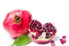 Fruta de la granada aislada en blanco Imágenes de archivo libres de regalías