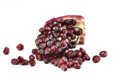 Fruta de la granada aislada en blanco fotografía de archivo libre de regalías