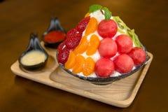Fruta de la mezcla del helado Fotografía de archivo