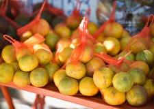 Fruta de la naranja para la venta fotos de archivo