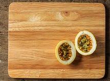Fruta de la pasión amarilla Foto de archivo