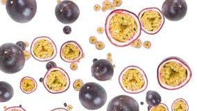 Fruta de la pasión que cae con la transición