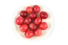 Fruta de la uva del lado superior en plato Foto de archivo libre de regalías