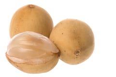 Fruta de Langsat isolada Imagens de Stock