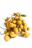 Fruta de Longan en el fondo blanco Imágenes de archivo libres de regalías