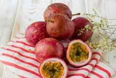 Fruta de pasión fresca Imágenes de archivo libres de regalías