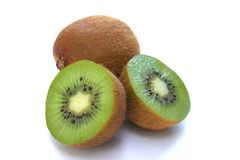 Fruta de quivi cortada Fotos de Stock Royalty Free