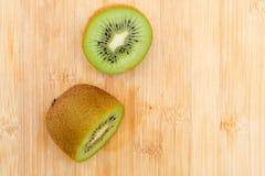 Fruta de quivi cortada Imagem de Stock