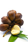 Fruta de Zalacca con la hoja Imagenes de archivo