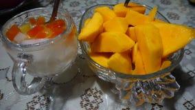 fruta del hielo y mango frío imágenes de archivo libres de regalías