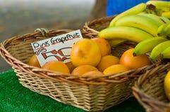 Fruta del mercado Fotos de archivo