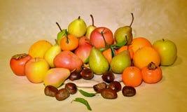 Fruta del otoño, aún vida Imagenes de archivo