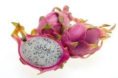 Fruta do dragão de encontro ao fundo branco Foto de Stock