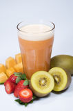 Fruta e suco Fotografia de Stock