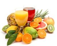 Fruta e suco maduros Fotos de Stock Royalty Free