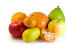 Fruta em um fundo branco Fotografia de Stock