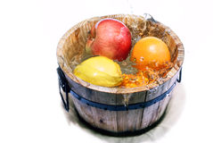 Fruta en agua Imagen de archivo